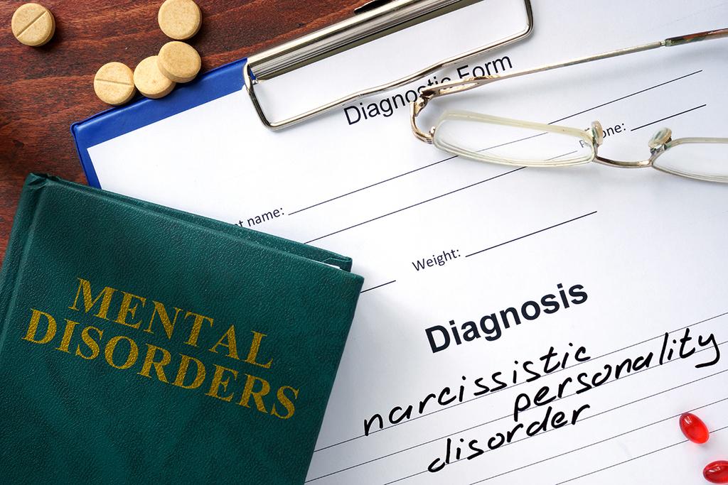 Three Factors That Distinguish Narcissistic Tendencies From Narcissistic Personalities